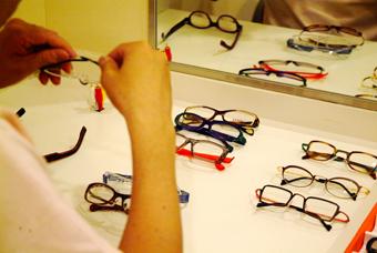 せいこうさん眼鏡チョイス中2